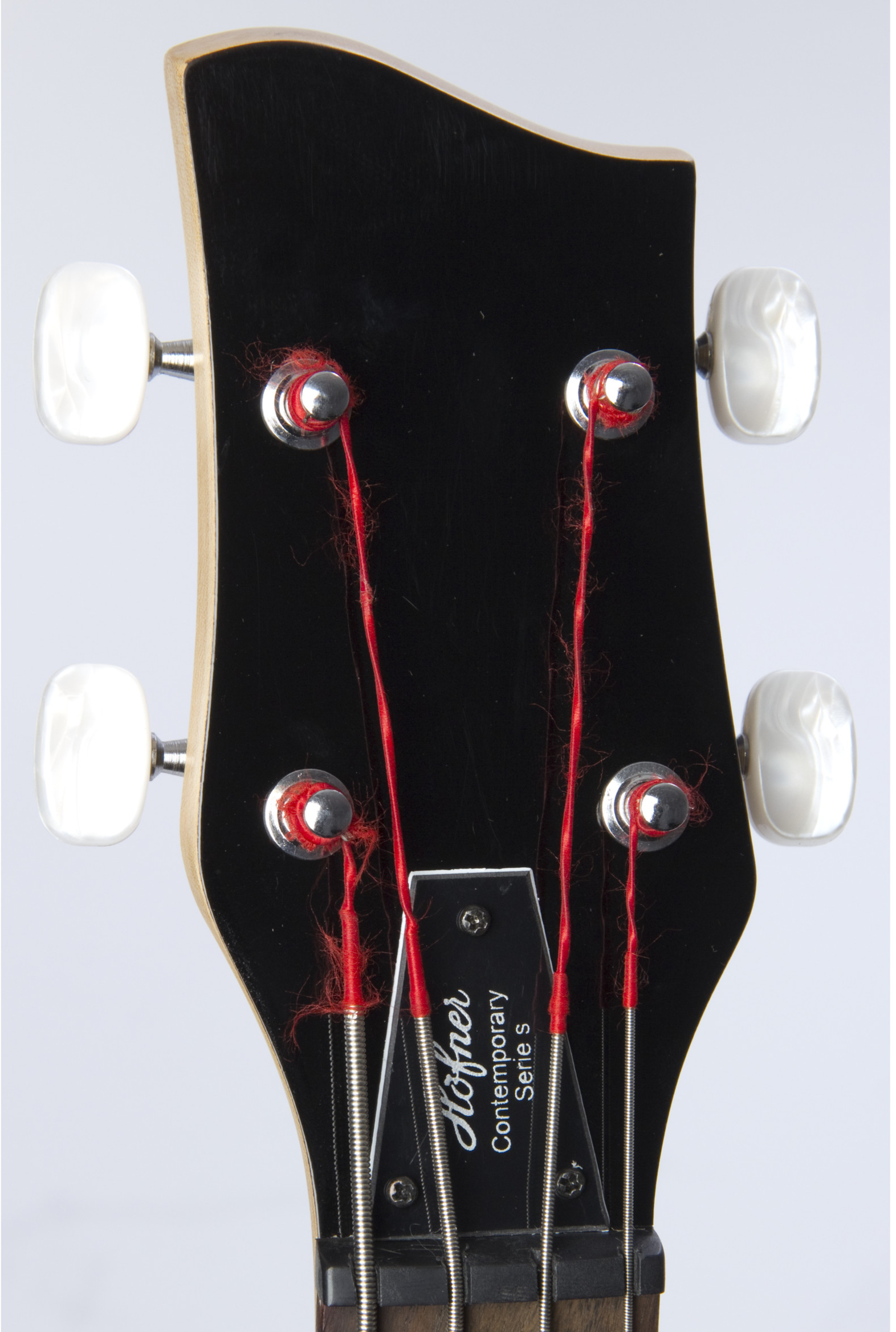 HÖFNER Shorty Headstock Detail