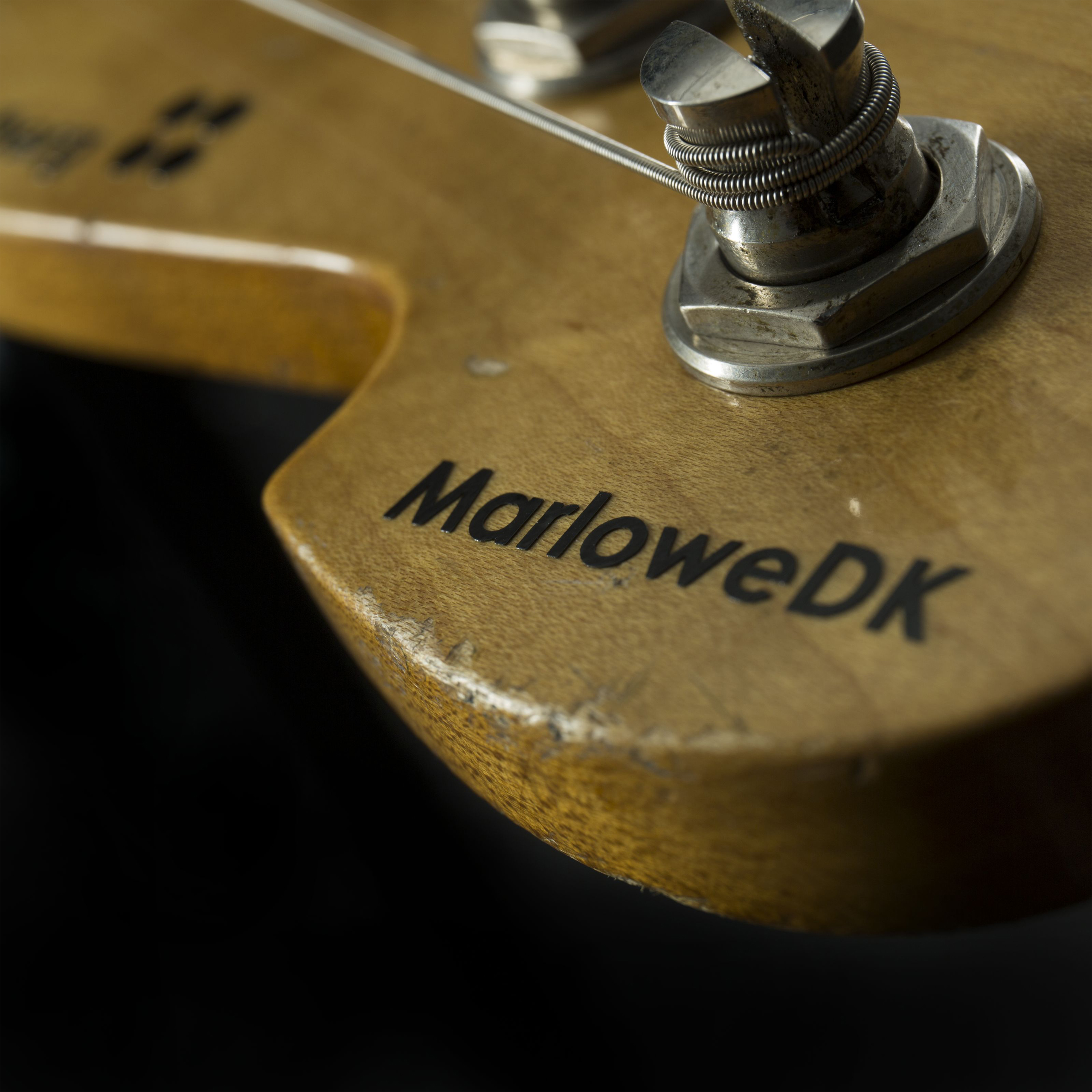 SANDBERG California MarloweDK 4-String Red Hardcore Aged Detail5