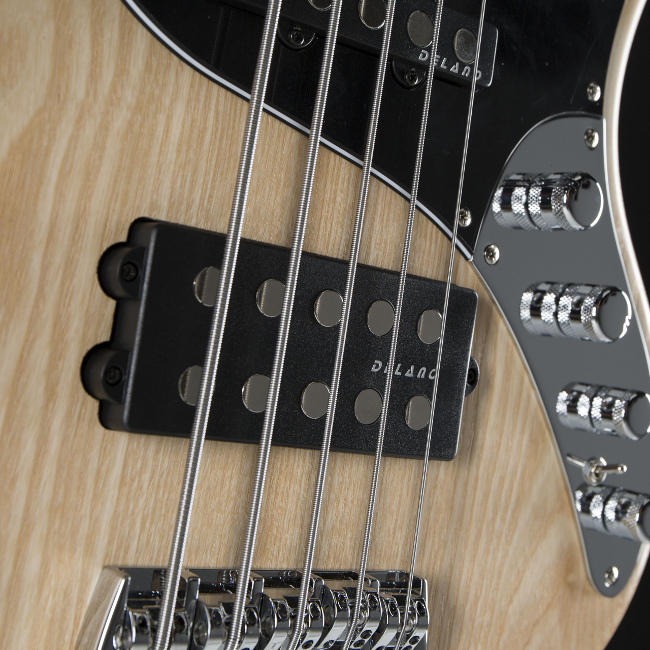 Sandberg California TM5 MN Natural Highgloss Hardware