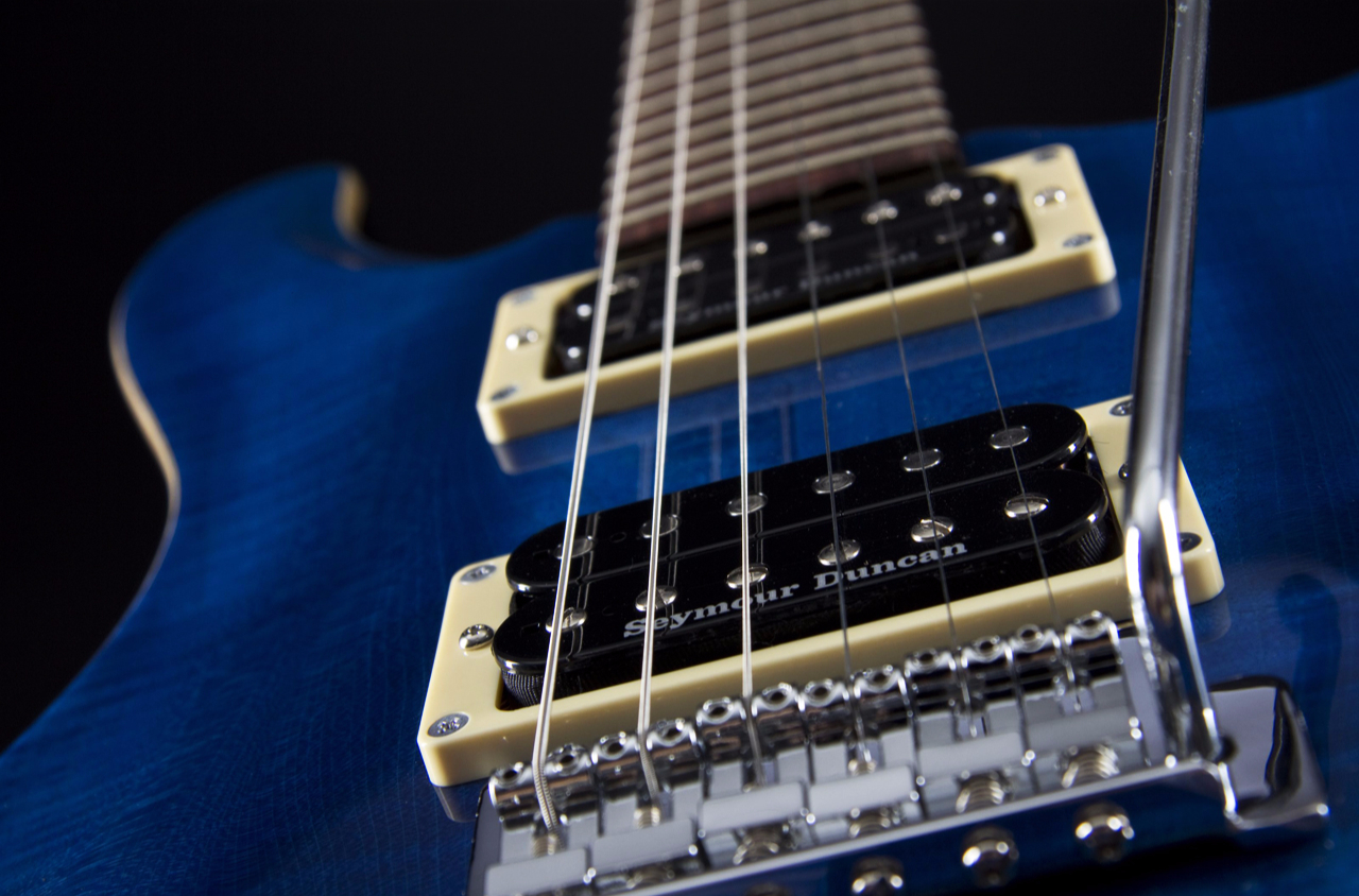 Fame Forum III Translucent Blue Pickups