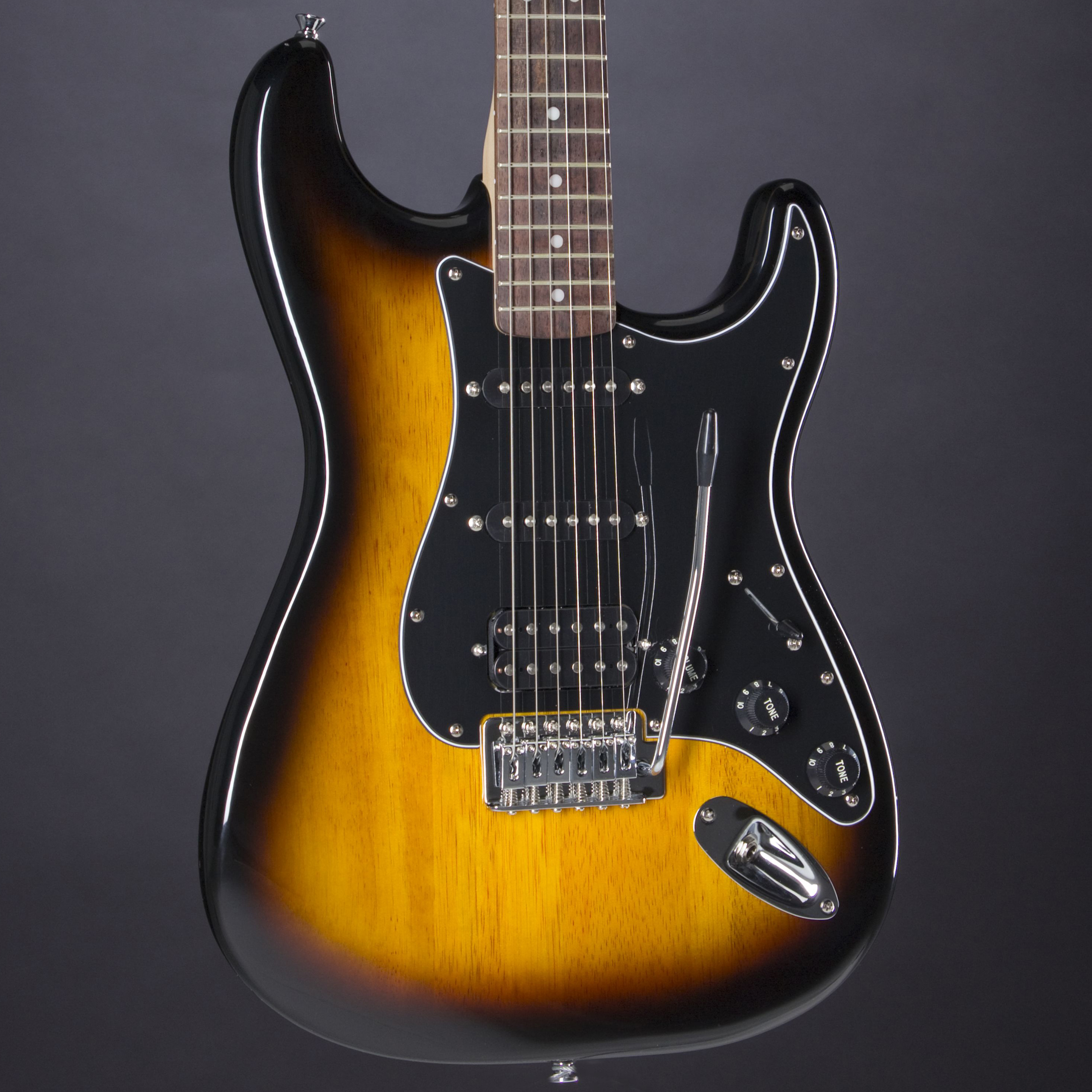 SQUIER Affinity Strat HSS Pack Brown Sunburst Korpus