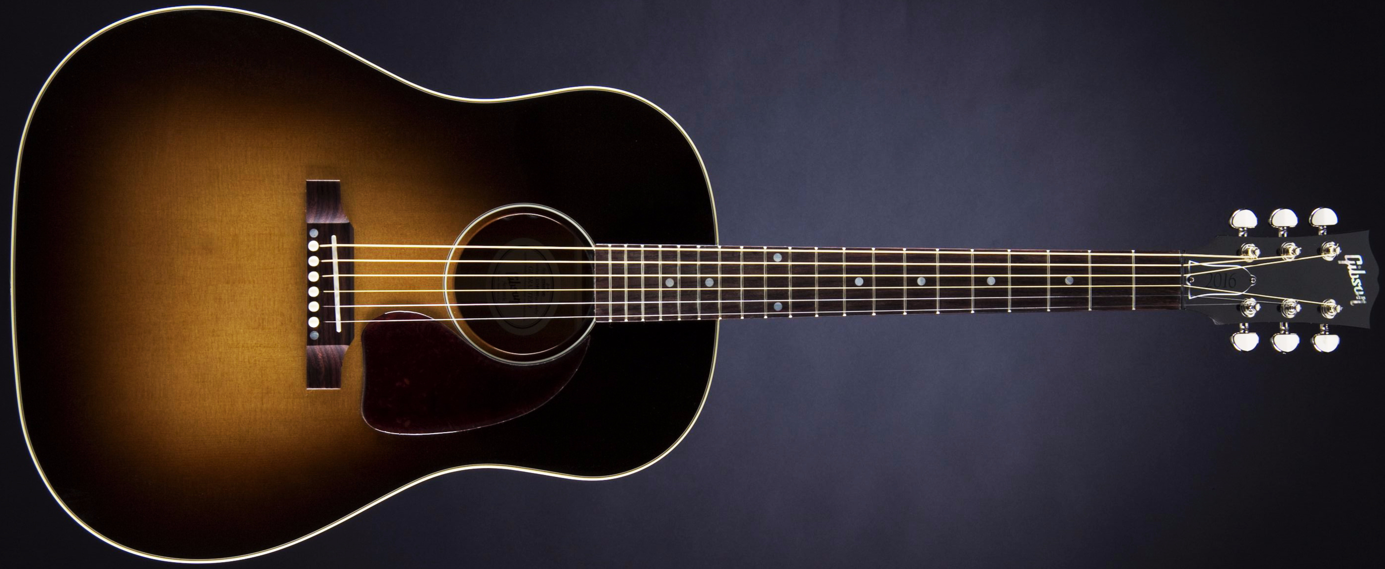 Gibson J-45 Standard Front