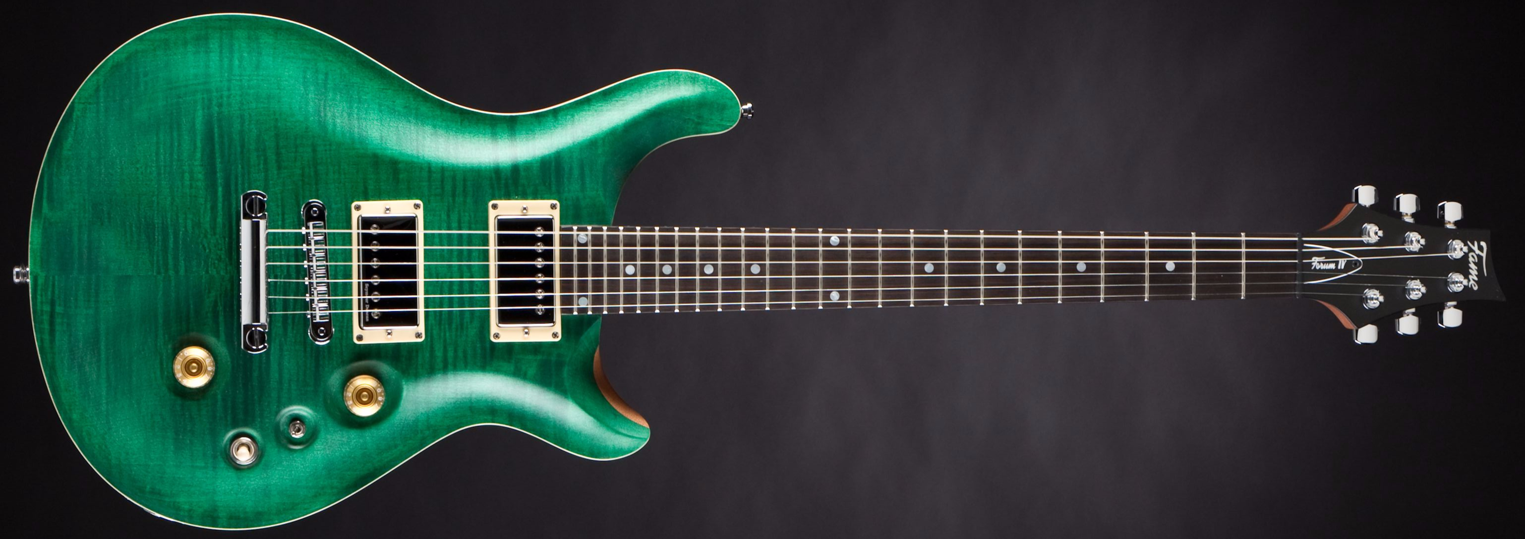 Fame Forum IV Classic Emerald Green Satin Front