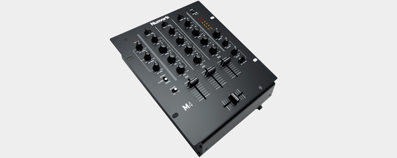 Numark M4 Black - 3-Channel DJ Mixer