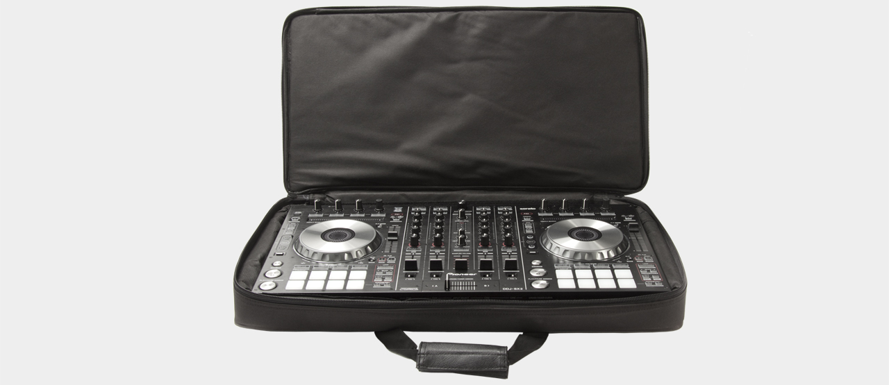 MUSIC STORE DJ Controller Bag Large mit Pioneer DDj-SX2