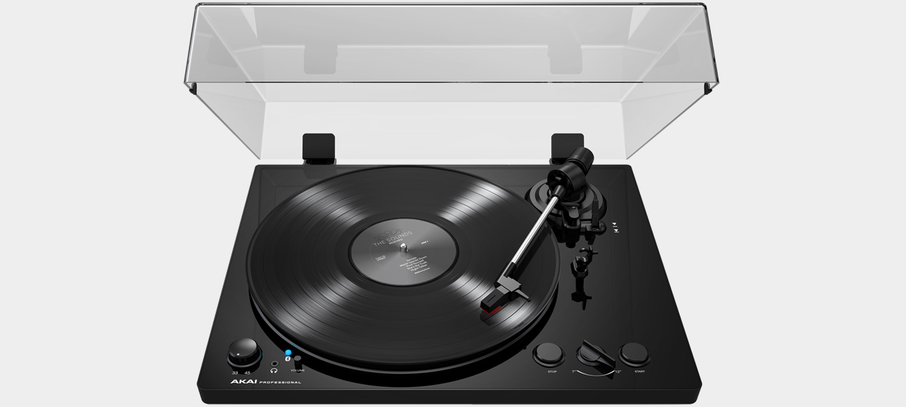 Akai BT100 Belt-Drive Turntable